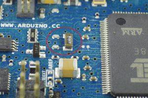 正規品(旧)に実装されている32kHz水晶振動子