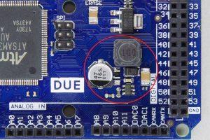互換機の5V生成回路