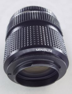 リバースアダプターを取り付けたMD ZOOM 35-70mm 1:3.5